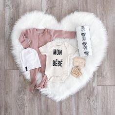Alllllll the chicest baby items, please!
