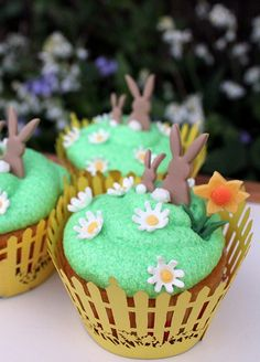 Bunny Easter cupcakes by Victorious Cupcakes, via Flickr