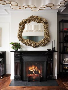 ELLE Decor got an exclusive first look at the new curated holiday lines by four top interior designers on the luxury online marketplace 1stDibs, where Ken Fulk, Brigette Romanek, Hubert Zandberg, and Nicole Hollis are bringing you their takes on timeless holiday decor that's well suited for the entire winter season. #holidays #holidaydecor #home #homeinspo #interiordesign #winterhome #winterdecor #christmasdecorations #luxury #1stdibs #elledecor Contemporary Wall Lamp, Holiday Decor, Holiday Tablescapes, Decor, Elle Decor, Aluminum Christmas Tree, Holiday, Interior Design Awards, Fireplace
