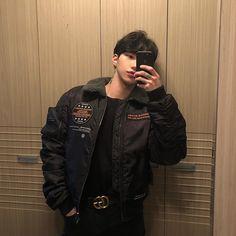 boys, korean y asian imagen en We Heart It Cute Asian Guys, Asian Boys, Asian Men, Cute Guys, Korean Boys Hot, Korean Boys Ulzzang, Korean Men, Ulzzang Boy, Pretty Men