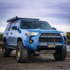 Here's what you need to know to build the cleanest Toyota overland adventure project. lift with KING OEM Performance shocks and off-road tires and more! Toyota Tacoma, Toyota 4x4, Toyota Trucks, Toyota Suvs, Toyota Vehicles, Lifted Trucks, Overland 4runner, Toyota 4runner Trd, 4runner Off Road