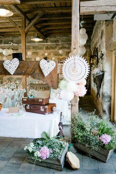DIY Deko für deine Sommer Vintage Hochzeit. Lass dich inspirieren auf…