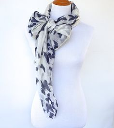 Beautiful Cream Glitzy Leaves Foil Sparkle Print Loop Infinity Scarf Snood Gift!