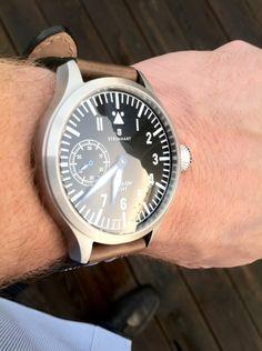 Steinhart Nav B Gold Pocket Watch, Savile Row, Pistols, Wrist Watches, Vintage Watches, Edc, Men's Style, Notebooks, Effort