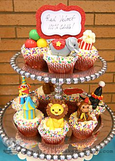 Circus themed cupcakes with fondant toppers