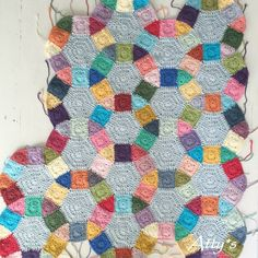 My crochet Jack's Chain Quilt is growing 😄 ❤️💛💚💙💜 Crochet Quilt Pattern, Crochet Blanket Patterns, Crochet Motif, Crochet Designs, Crochet Flowers, Crochet Stitches, Quilt Patterns, Knitting Patterns, Crochet Blankets
