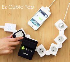 電源タップを折り曲げる。 イージーキュービックタップ - まとめのインテリア / デザイン雑貨とインテリアのまとめ。
