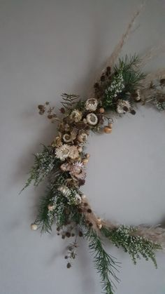 Dried floral wreath.