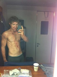 Sam Huntington from Being Human.this is why i love this show ;) Love him to the max ! Since jungle 2 jungle lol Cute Celebrity Guys, Celebrity Skin, Cute Celebrities, Celebs, Pretty Men, Beautiful Men, Pretty Boys, Being Human Syfy, Sam Huntington