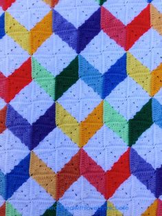 Crochet between worlds: PATTERN: Tumbling Blocks Baby Afghan