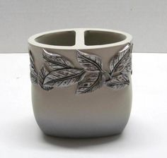 Very attractive toothbrush / paste holder from the Silver Leaf bath line. This elegant piece would be perfect in your garden bath! Toothbrush And Toothpaste Holder, Floral Bath, Keep It Cleaner, Cleaning, Mugs, Tumblers, Tableware, Healthy Living, Silver