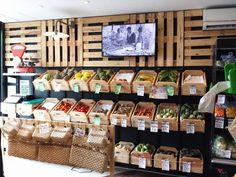 Candy store display, store displays, vegetable shop, produce displays, shop s Bulk Store, Grocery Store, Shop Window Displays, Store Displays, Shop Front Design, Store Design, Display Shelves, Display Case, Candy Store Display