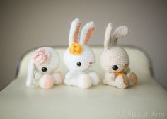 If you love bunnies, you're going to love today's FREE crochet pattern!   This is the Spring Bunnies pattern by Stephanie Jessica Lau of the All About Ami website. You can find this FRE...