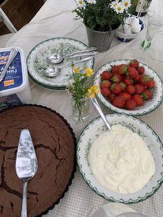 Eat This, Good Food, Yummy Food, Think Food, Food Is Fuel, Cafe Food, Aesthetic Food, Food Cravings, Food Inspiration