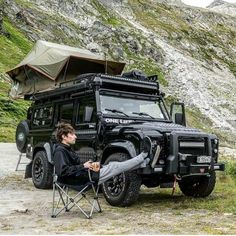 Roof top tent for camping off road Land Rover Defender Camping, Defender Camper, Auto Camping, Jeep Wrangler Tj, Wrangler Unlimited, Benne, Offroader, Rc Autos, Bug Out Vehicle