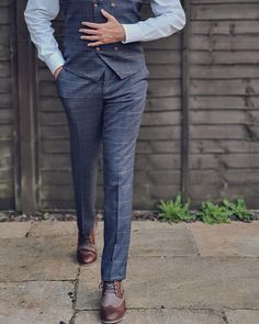 Jenson trousers are one of the best choices to be worn at work. If you are wearing simply a shirt and tie then choose these cool pairs.