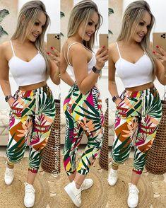 Foto de Instagram de Mania De Vestir • 1 de diciembre de 2019 a las 19:12 Girly Outfits, Classy Outfits, Stylish Outfits, African Dresses For Kids, Latest African Fashion Dresses, Fashion Pants, Girl Fashion, Fashion Outfits, Summer Outfits Women