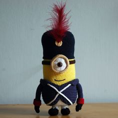 Did you enjoy the movie The Minions? I did! I really loved the beginning, where the minions served various bosses, but ended up killing them all. So, be warned when you make one, dont use them as a soldier! You dont want to be the next Napoleon ;) Without feather this amigurumi is 22cm/ 8.6in tall. Pattern is available in: