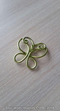 Bijoux : Pendentif « Le Papillon vert »  - Réalisation [ Fait-Main ] avec du fils d'aluminium (Ø1,5). / Ref. : Pendentif-_Papillon-vert_opt.