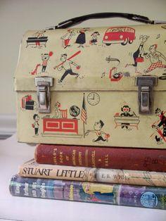 Adorable vintage lunch box. {Cute}