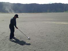 #Anti-mainstream #driving #golf in #caldera #mount #bromo #java #indonesia #using #nike #sumo2 #sasquatch #driver