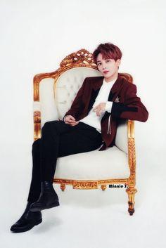 Image about kpop in 💮Jeonghan💮 by ʜɪʙɪsᴄᴜs on We Heart It Shinee, Taemin, Woozi, Mingyu, Seventeen Scoups, Jeonghan Seventeen, Rapper, Hip Hop, K Pop