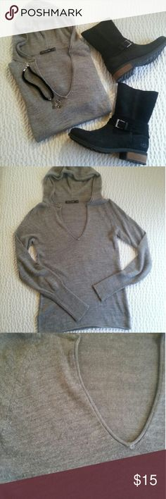 Limited Hoodie Sweater Worn Once and Hand Washed. Excellent Condition with No Flaws ! This has some fuzzies and a little pilling under the arms, but that's just the nature of the fabric. V-neck with a Slimmer Fit.  Super Soft.  52 % Acrylic 48% Wool. Fits True to Size. I Do Not Model.  Feel Free to Ask Questions ! The Limited Sweaters