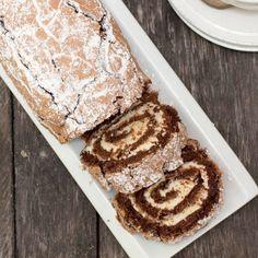 Bjud på en ljuvligt god, glutenfri drömrulltårta. Swedish Cookies, Fika, Healthy Baking, Tiramisu, Baking Recipes, Tart, Gluten Free, Sweets, Bread