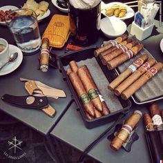 Pipes And Cigars, Cigars And Whiskey, Cigar Smoking, Smoking Pipes, Smoking Room, Cigar Shops, Cigar Art, Cigar Club, Premium Cigars