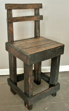 Pallet Wood Bar Stool with Back.....LOVE THIS