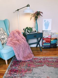 Whether you live in a house or a 400-square foot apartment, take inspiration from these women on making a cozy corner that fits your home. Bohemian Living Rooms, Cute Cat Gif, Cozy Corner, Book Nooks, Reading Nook, Decor Interior Design, Furniture Makeover, Apartment Therapy, Blanket