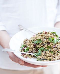 This mung bean salad is high in protein, bursting with flavors and so easy to make.