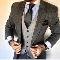 """punkmonsieur: """"Women like men who dress well 🔥 for more dope accessories and clothes """" Proper Attire, Flannel Suit, Gents Fashion, Fashion Suits, Style Matters, Men's Fashion Brands, Classic Wardrobe, Komplette Outfits, Business Outfits"""