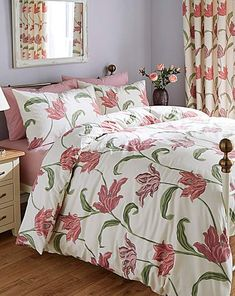 Kinsale duvet cover set is a beautifull printed floral traditional design. This very fabulous classy look will brighten up your bedroom and bring a splash of colour to your room.