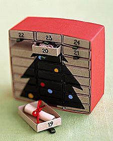 calendario con scatole fiammiferi