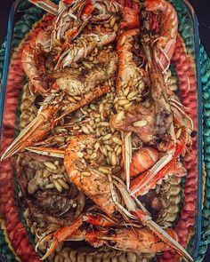 Els plaers que tenir temps de cuinar a casa... avui Conill amb Escamarlans i pinyons. Recepta fàcil però molt bona de @cuinacat  #cuinetes #cocina #cuina #receptes #rabbit #scallops #pinions #oven #cooking #food #foodporn #foodie #yummy #conejo #escamarlans #pinyons #fish #seafood