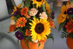Pumpkin Flower Arrangement {Thanksgiving Centrepiece} - Life at Cloverhill Fall Floral Arrangements, Christmas Arrangements, Beautiful Flower Arrangements, Floral Centerpieces, Wedding Centerpieces, Flower Boquet, My Flower, Fall Flowers, Purple Flowers