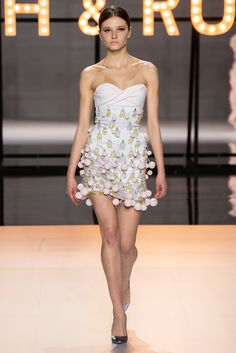 Ralph   Russo Spring 2019 Couture Fashion Show Collection  See the complete  Ralph   Russo c879ed319e