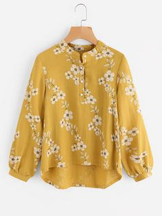 Shop All Over Florals Dip Hem Blouse online. SheIn offers All Over Florals Dip Hem Blouse & more to fit your fashionable needs. Blue Fashion, Hijab Fashion, Fashion Outfits, Fashion Trends, Cute Blouses, Blouses For Women, Blouse Styles, Blouse Designs, Style Bleu