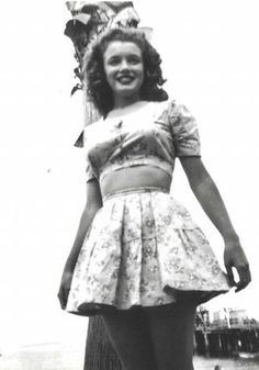 Norma Jeane at Catalina Island, 1943.