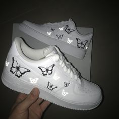 Nike air force 1 with Black/White and lighting butterfly. Each pair is handpainted with high quality paint (Angelus Product). Cute Nike Shoes, Cute Nikes, Cute Sneakers, Nike Air Shoes, Shoes Cool, Sneakers Nike Jordan, Vans Shoes, Shoes Sneakers, Jordan Shoes Girls