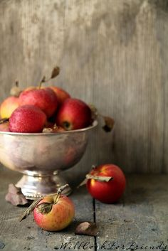 Baked Apples, à la Mode - easy as pie (easier!) - Will Cook For Friends Apple Pear, Red Apple, Still Life Photos, Baked Apples, Fall Harvest, Apple Harvest, Autumn Fall, Autumn Inspiration, Life Inspiration