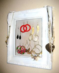 I am featuring a handmade, DIY Christmas gift each W E D N E S D A Y and S A T U R D A Y untilChristmas… Jewelry organizers are useful and pretty, and there are m a n yversions to choose from! #1: C.R.A.F.T. # 4: Framed Earring Organizer #2: UPDATE to C.R.A.F.T. …