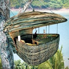 Tree Pod Dining is available at the Soneva Kiri Thailand Resort. The Pod was engineered with a rigid frame swathed in woven rattan with an open panorama window. Food courses arrive courtesy of a flying waiter – harnessed to a zip line