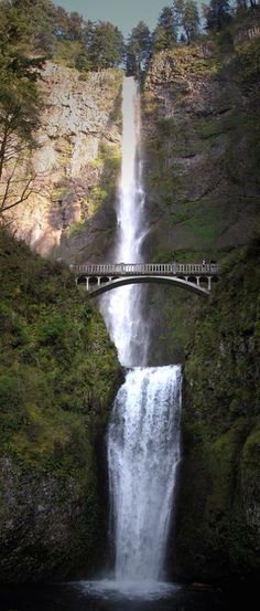 Multnomah Falls, Oregon. Tallest waterfall in Oregon located along the Columbia River Gorge.