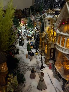 Christmas In The City, Christmas Night, Christmas Past, Beautiful Christmas, Christmas Holidays, Christmas Crafts, Christmas Tree Village Display, Lemax Christmas Village, Halloween Village