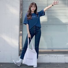 Korean Casual Outfits, Cute Teen Outfits, Teen Fashion Outfits, Simple Outfits, Korean Fashion Dress, Korean Street Fashion, Ulzzang Fashion, Korea Fashion, Aesthetic Clothes