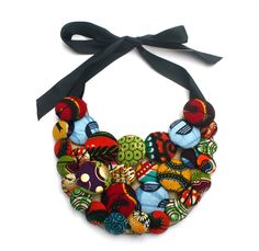 collier bouton en tissu africain wax : Collier par fanizie