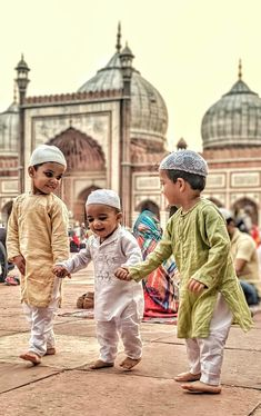Eid Mubarak Happy Eid To all my Muslim Brothers and Sisters all over the world.