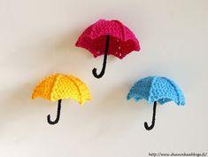 Ihan oikea blogi?: VIRKATUT SATEENVARJOT SIS. OHJE Crochet Keychain, Crochet Earrings, Crochet Baby, Knit Crochet, Small Sculptures, Barbie, Diy Projects To Try, Baby Dress, Crochet Patterns